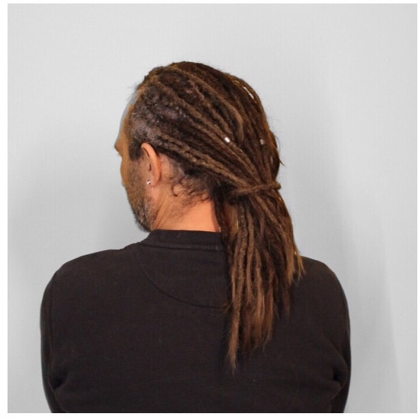 Realization of locks with natural extensions