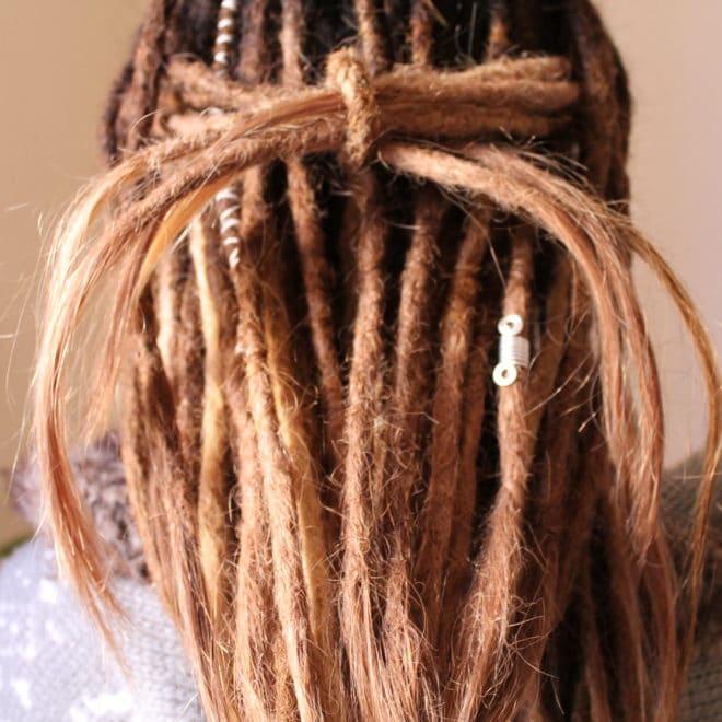 Pose de dreads avec extensions naturelles