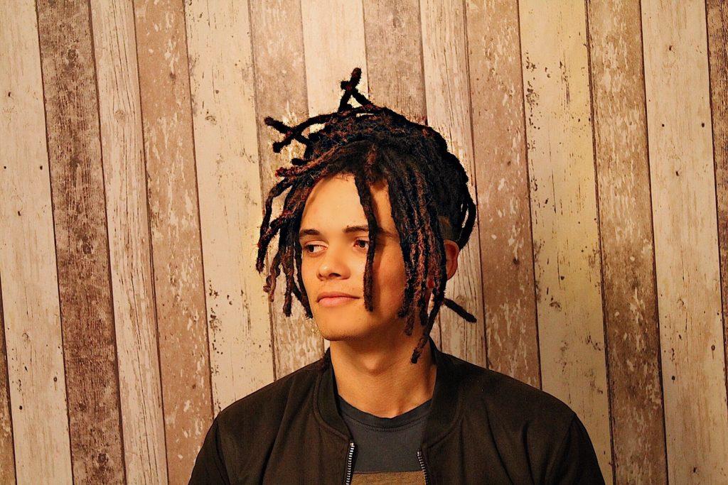 Pose d'extensions dreads naturelles - Lucas
